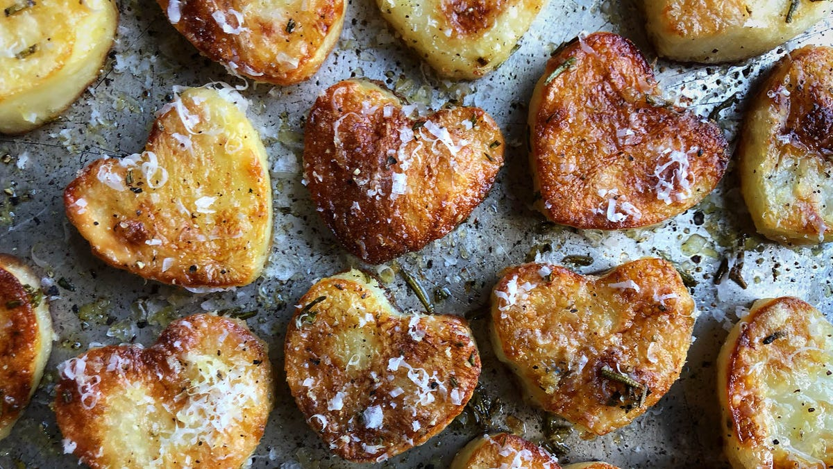 Make these roasted potato hearts for Valentine's Day