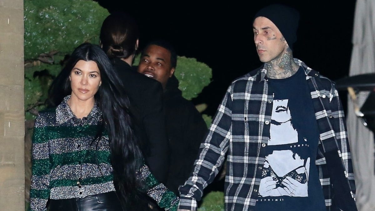 Yes, Travis Barker Sucked Kourtney Kardashian's Finger, Because They Are in LOVE