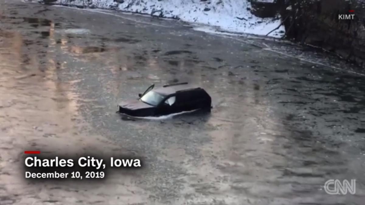 Un hombré atrapado en un río helado se consigue salvar pidiendo ayuda a Siri