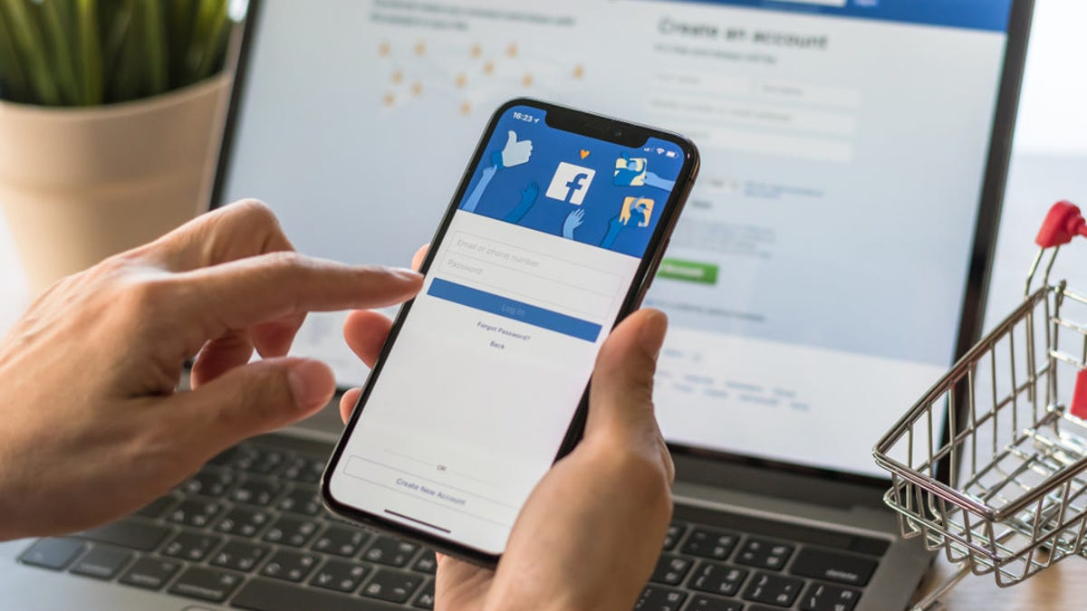 Remove Apps Linked to Your Facebook Account That You're Not Using - Lifehacker thumbnail