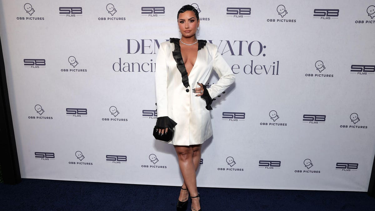 Demi Lovato Is Beefing With a Frozen Yogurt Shop For Being a 'Diet Culture Vulture'