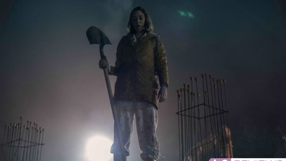 Castle Rock Season 2 Is Brimming With Misery, and It's Not Entirely Annie Wilkes' Fault