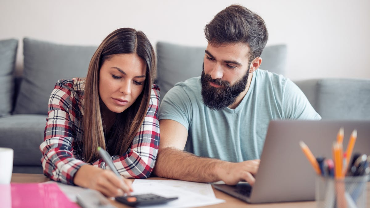 Cách thực hiện kiểm tra danh mục đầu tư giữa năm