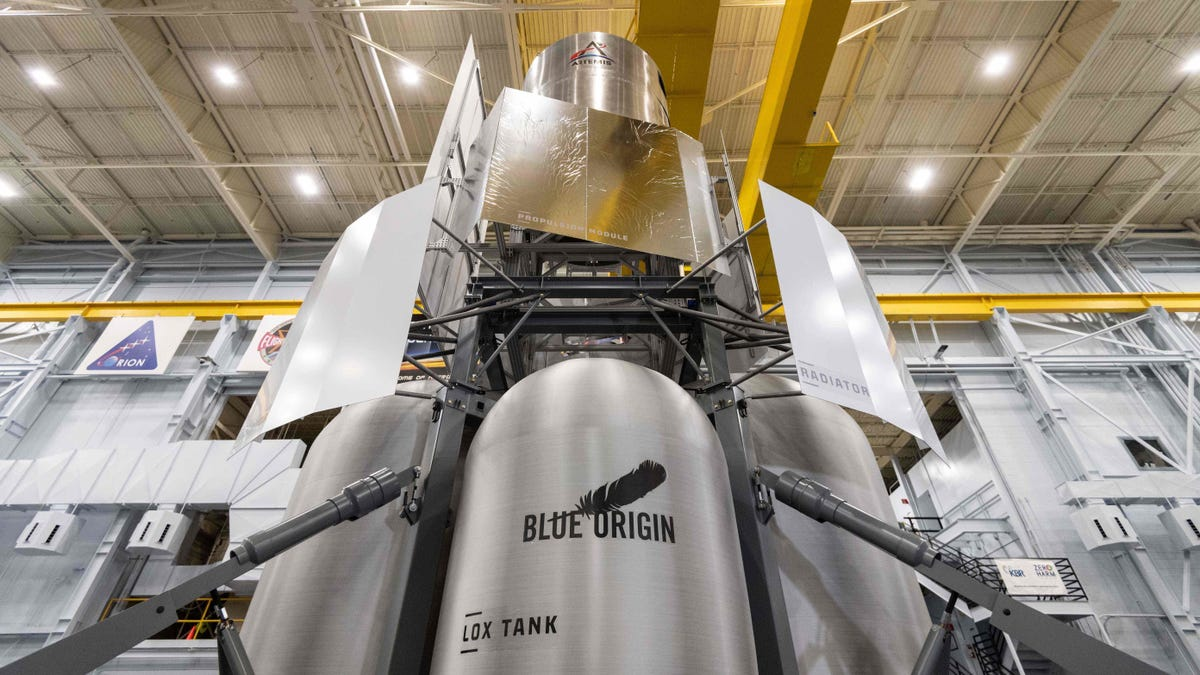 Check Out NASA's New Toy: A Full-Scale Replica of Blue Origin's Lunar Lander