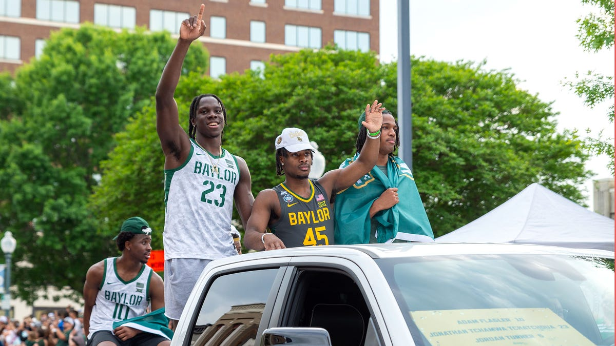 Baylor Men's Basketball Team Unsure How Many More Times Championship Parade Supposed To Circle Waco