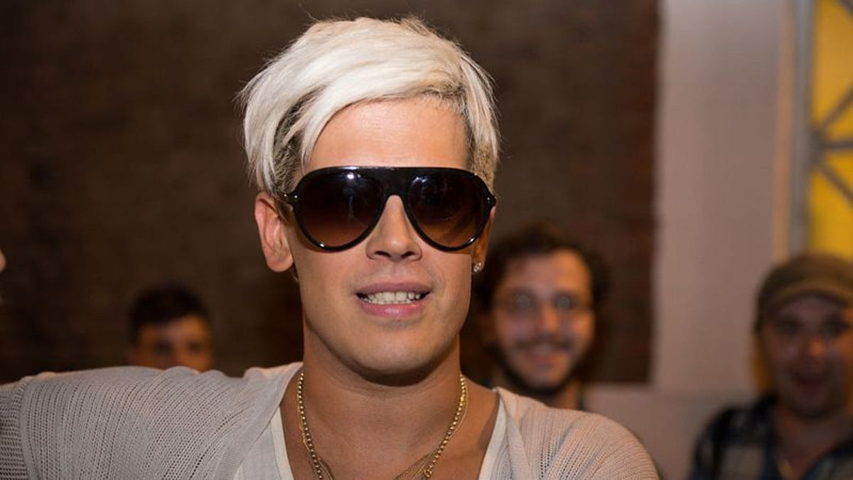 "UPDATED: Milo Yiannopoulos loses book deal, speaking gig over pedophilia ""jokes"""