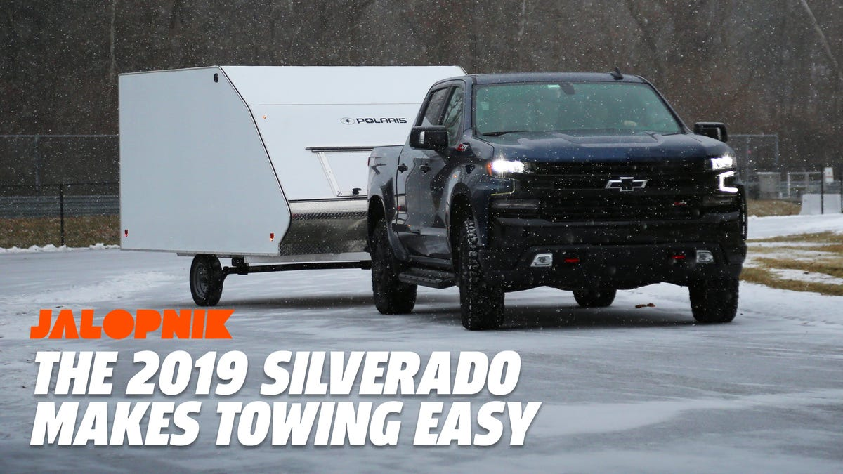 How the 2019 Chevy Silverado Uses Tech to Make Towing Easier