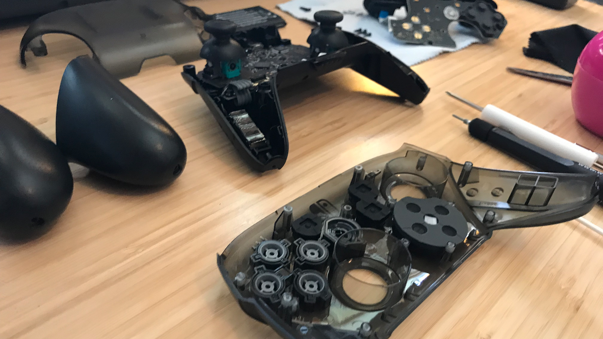 How To Fix Your Switch Pro Controller's D-Pad