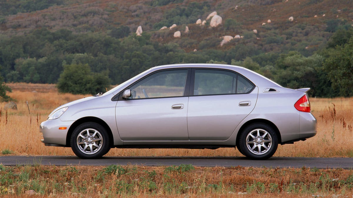 "The First-Generation Toyota Prius Deserves To Be ""Reimagined"""