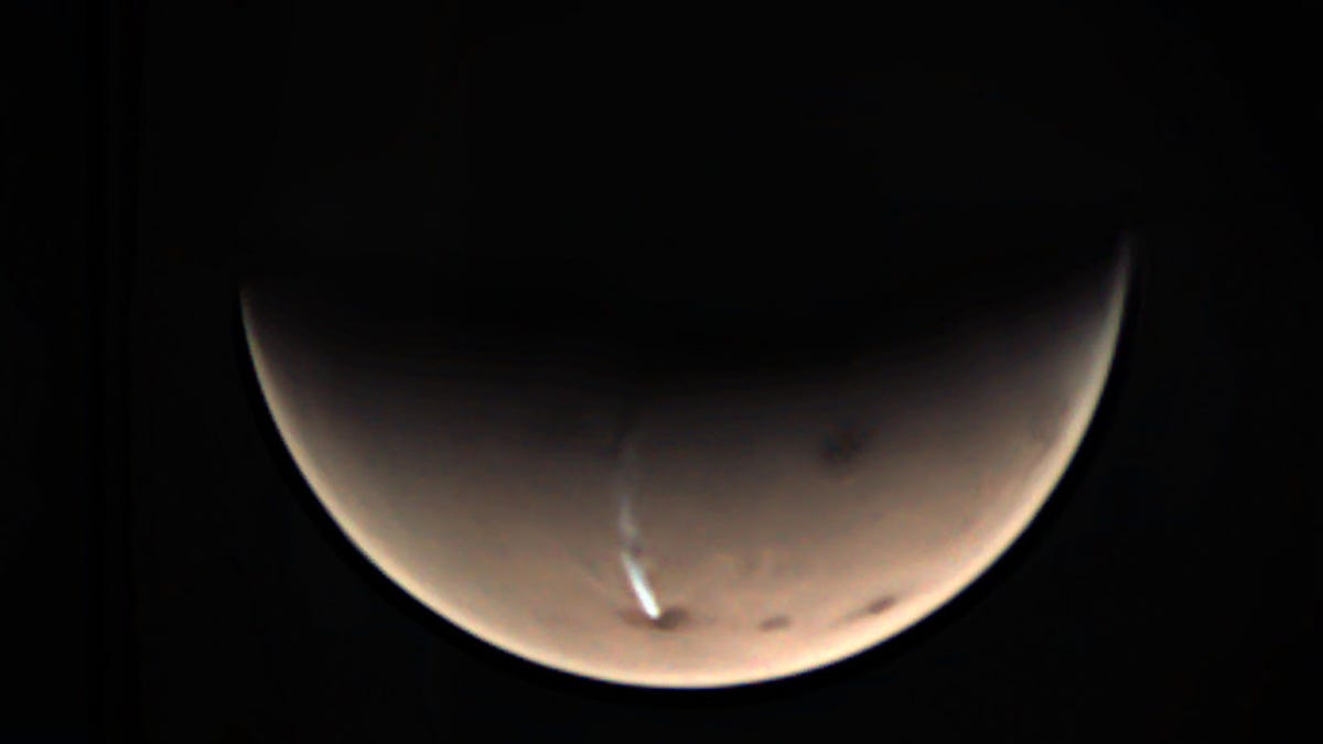 A Freaky Elongated Cloud Has Reappeared on Mars