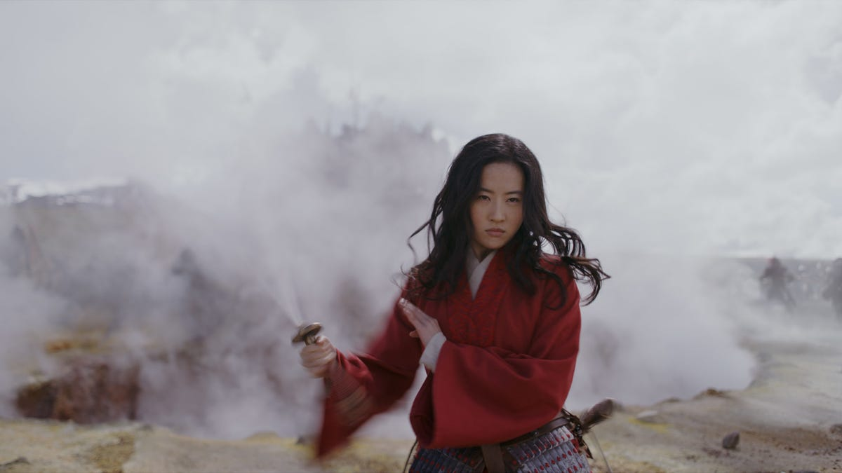 The First Mulan Trailer Teases a Sweeping Warrior's Adventure