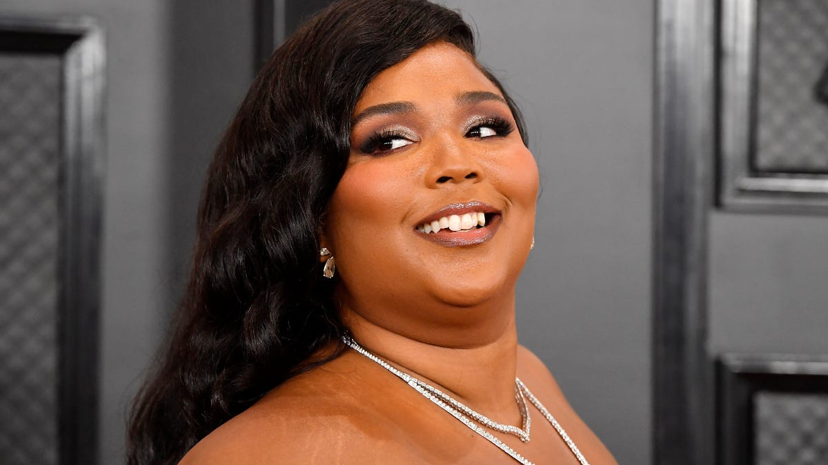Chris Evans, If You're Reading This, Please Answer Lizzo's Instagram DM