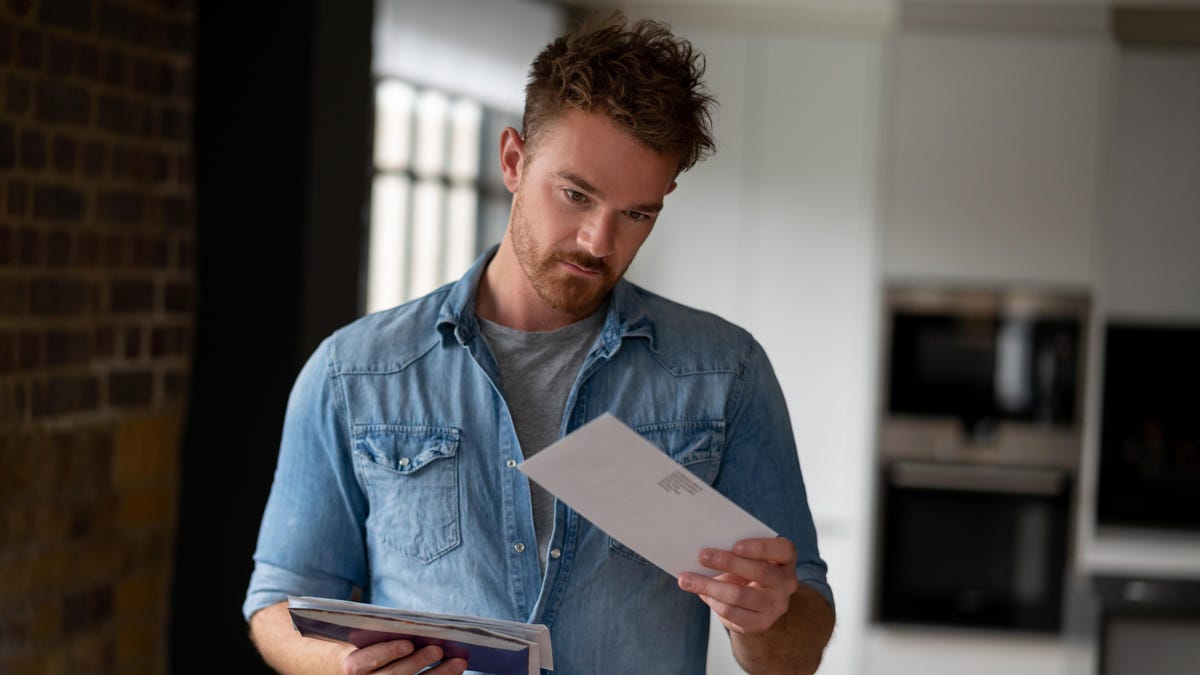 Man Calms Down From Violent Rage After Seeing 'Or Current Resident' On Misaddressed Letter