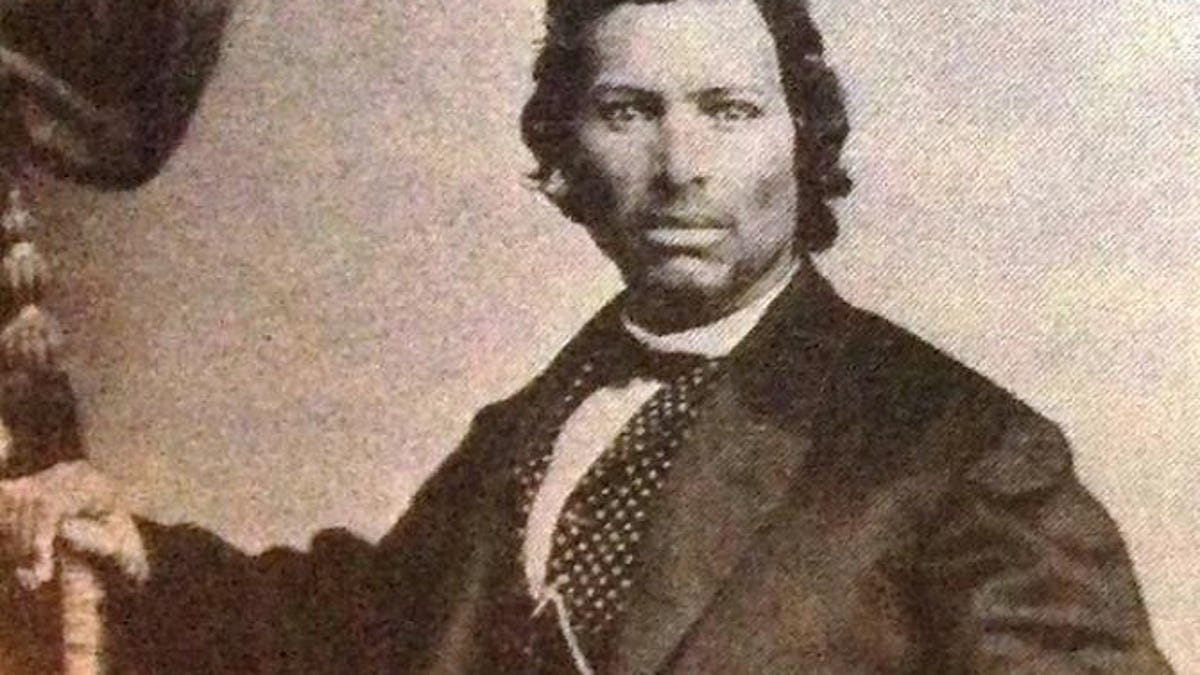 Cherokee Facial Features >> High Cheekbones And Straight Black Hair