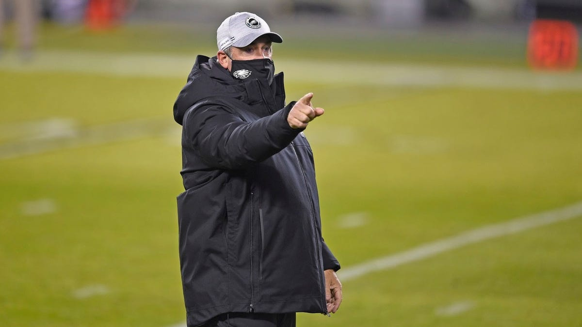 Eagles Lose All Respect For Sunday Night Football Tank Job