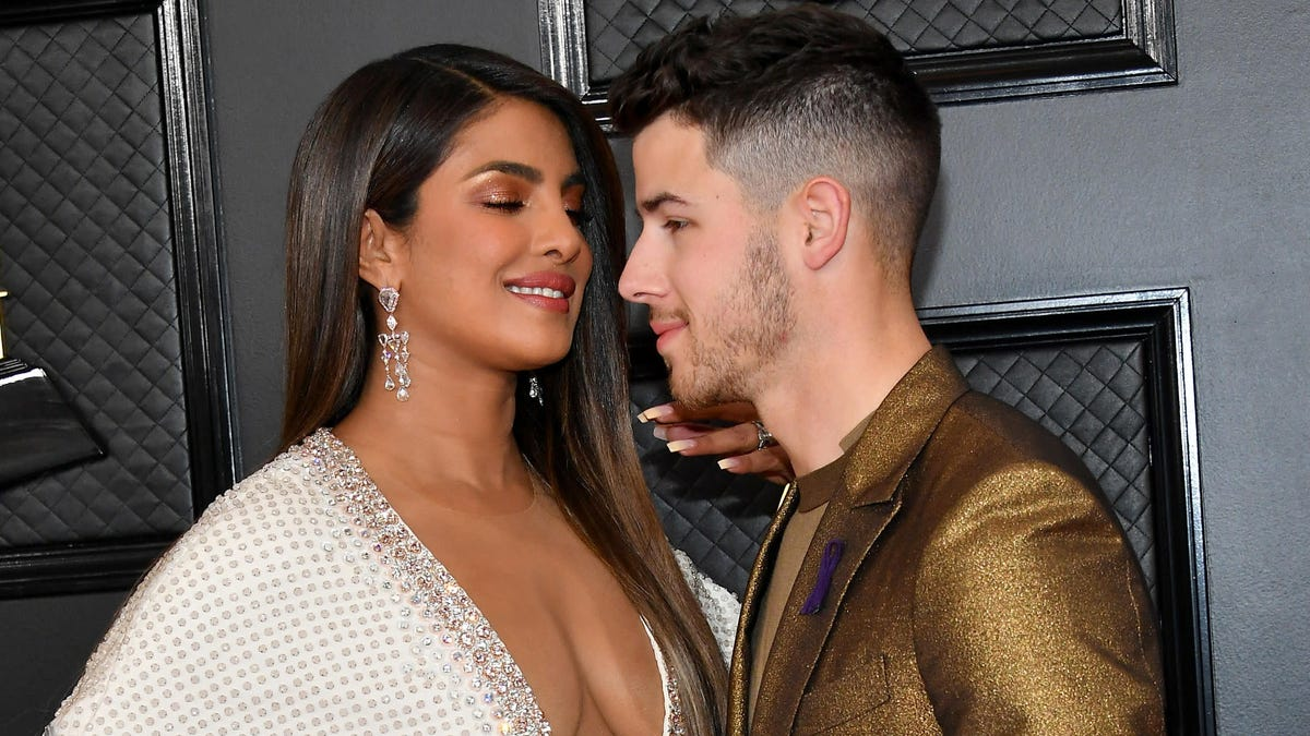 Do You Think Priyanka Chopra Helped Nick Jonas Clean His Teeth at the Grammys?