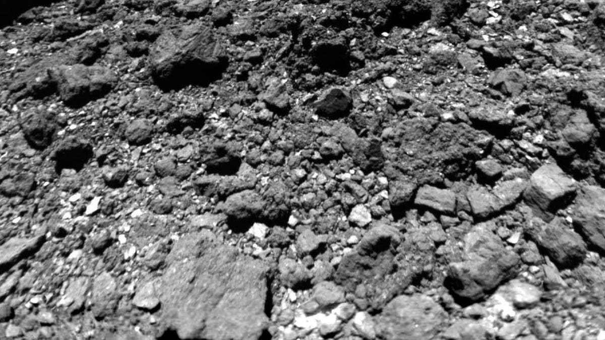 Hi-Res View of Ryugu Asteroid Suggests It Had a Close Encounter With the Sun