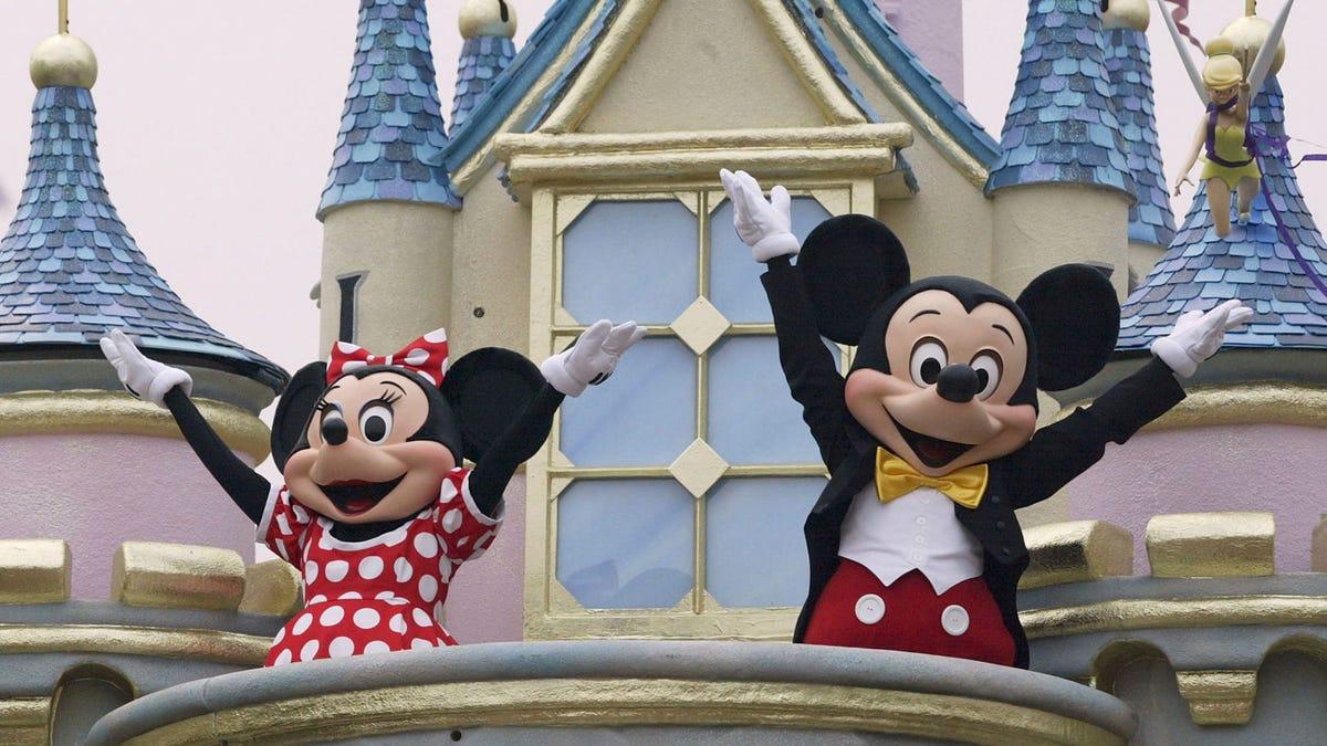 Recibir un cheque firmado por Mickey no es tan gracioso como parece
