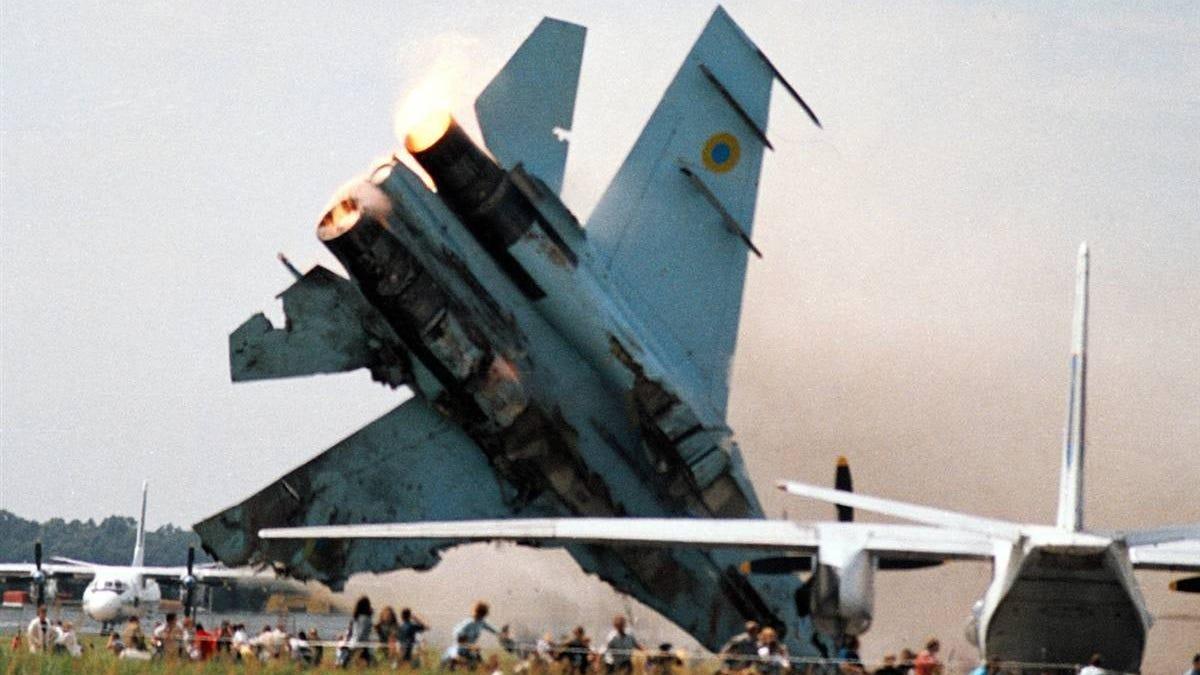 El día que una exhibición de acrobacias se convirtió en uno de los accidentes aéreos más mortales de la historia