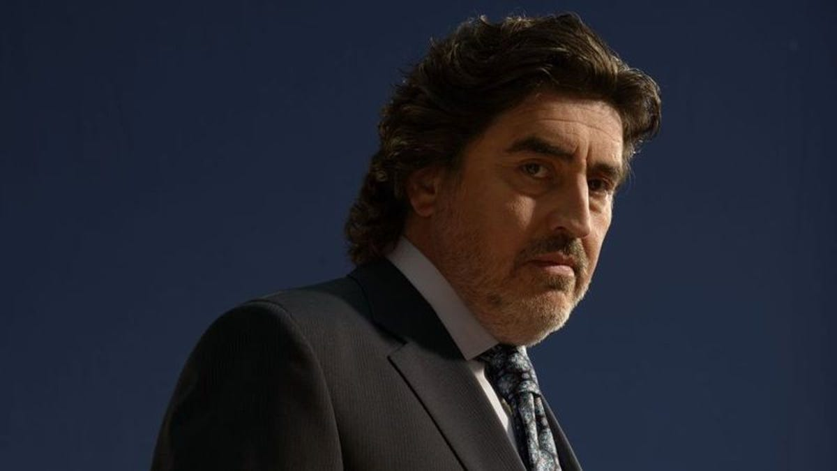 Alfred Molina on Matador, Night Ranger, and not throwing Indy the whip