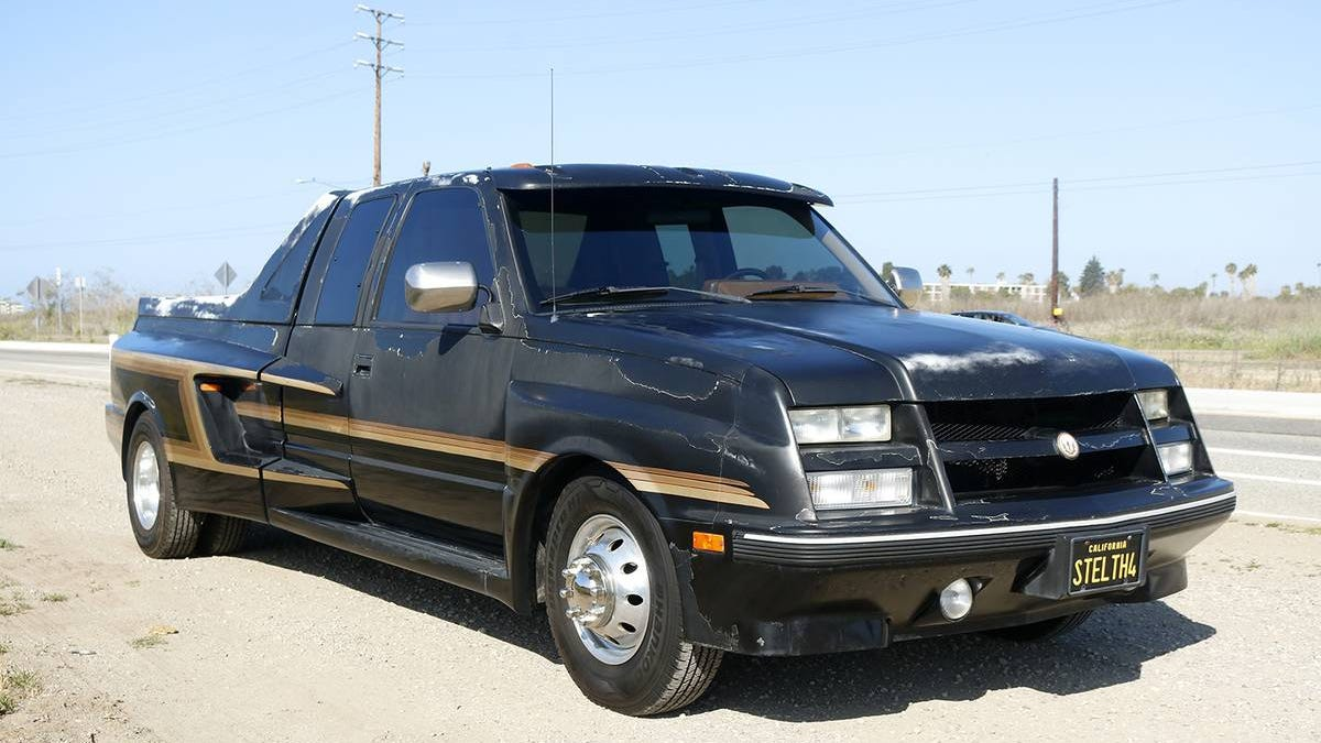 At $19,995, Is This '90 GMC Sierra A Custom-Bodied Collectable?