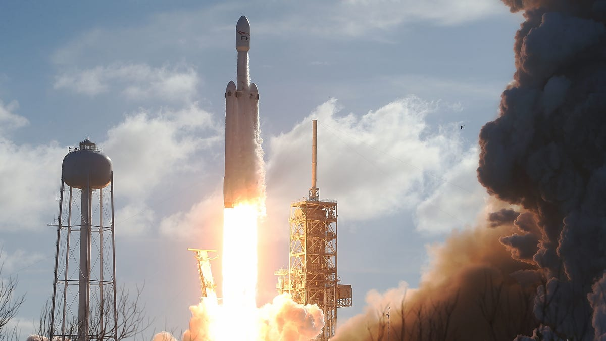 How to Watch SpaceX's Falcon Heavy Launch Monday