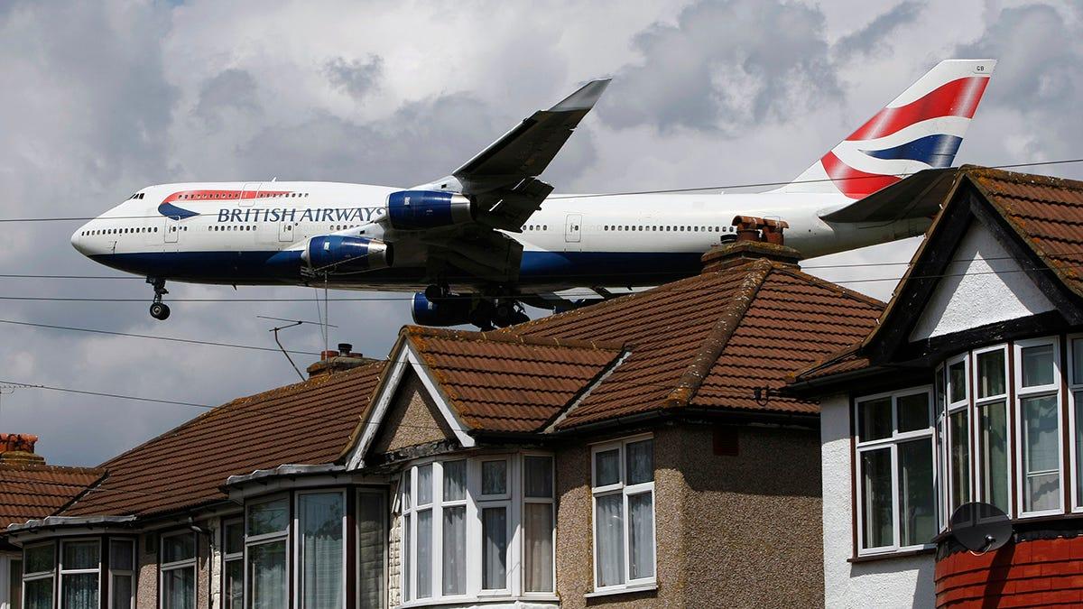 Nueva York - Londres en menos de 5 horas: un avión rompe el récord de vuelo transatlántico sobre la tormenta Ciara
