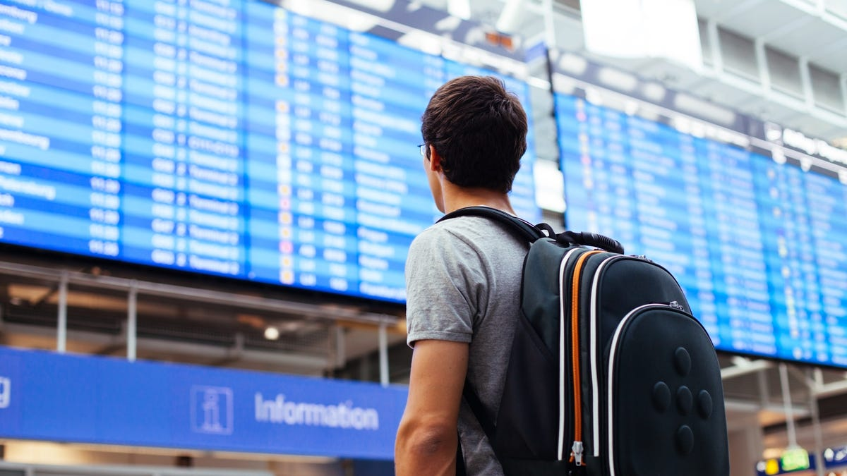 What to Consider Before Booking a Connecting Flight