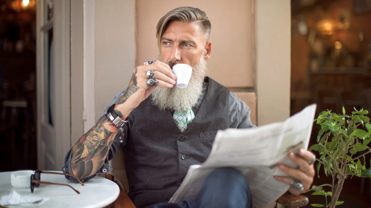 Texas newspaper opens a bar-café because people would rather drink than buy ads