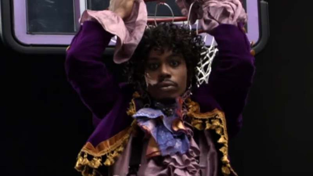 The Real Story Behind Charlie Murphy S Basketball Game With