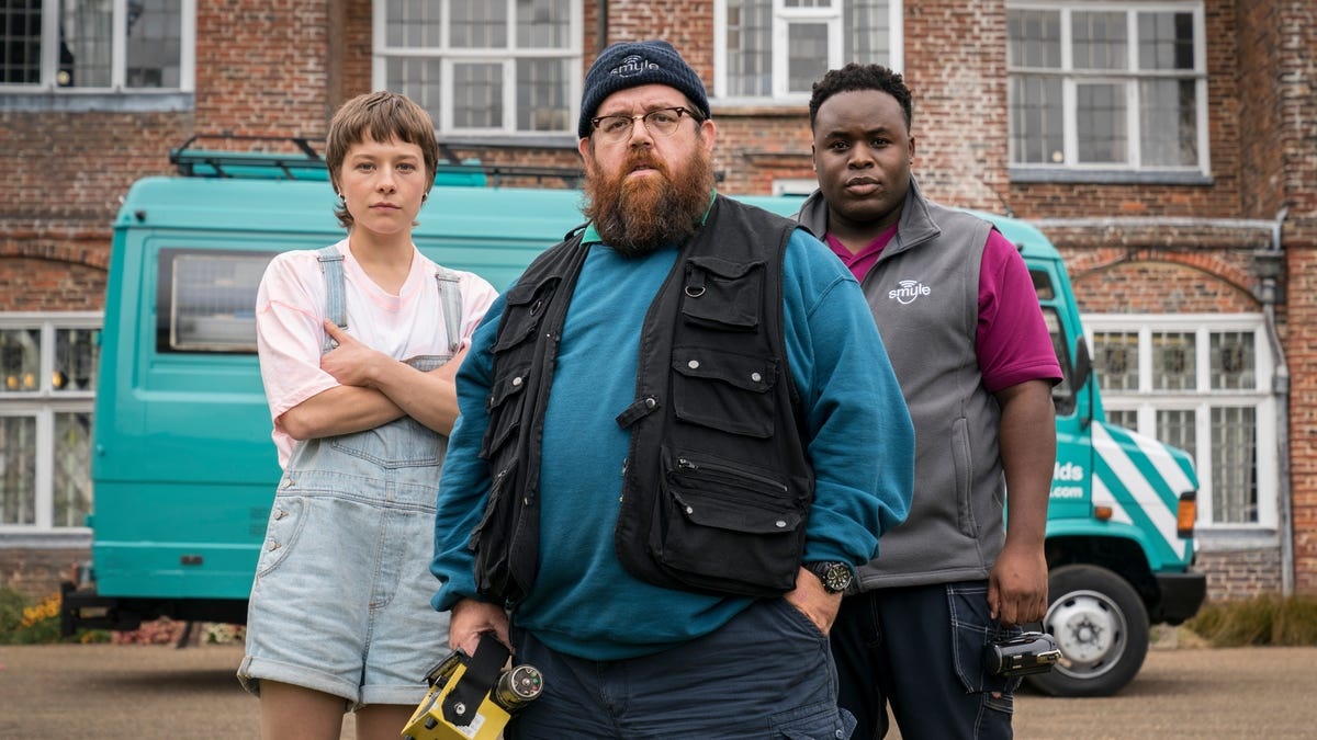 Simon Pegg and Nick Frost's Ghost-Hunting Comedy Truth Seekers Is Arriving Before Halloween