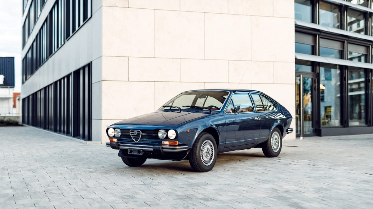 Your Gorgeous Alfetta GTV Wallpapers Are Here