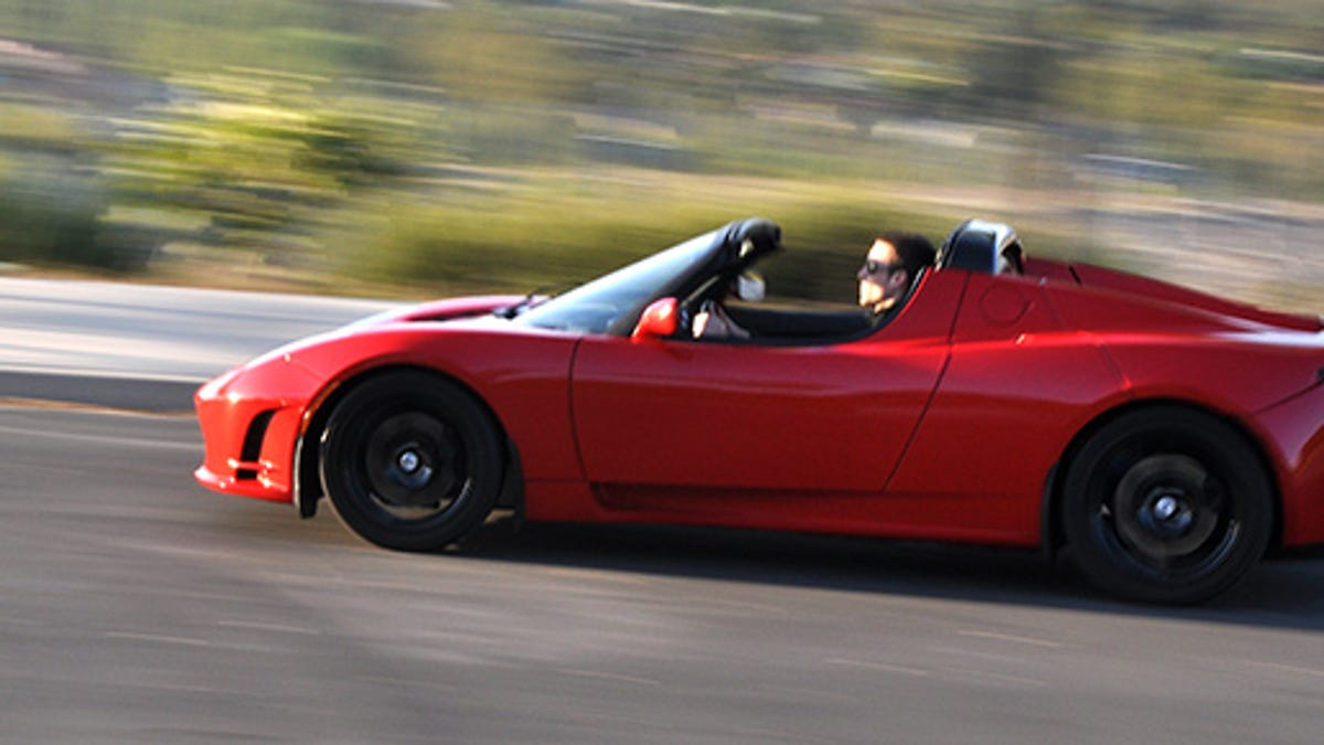 A Tesla Roadster Just Went 340 Miles Without Having To Charge Once