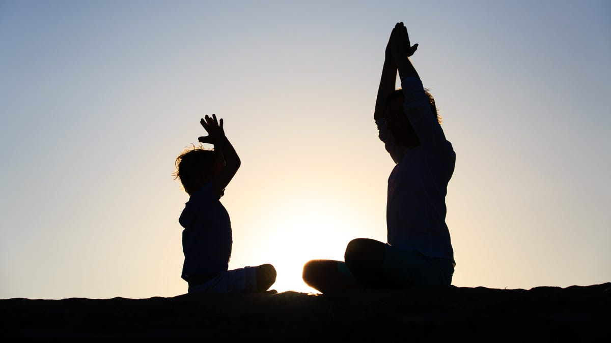 How to Start Practicing Yoga with Your Kids