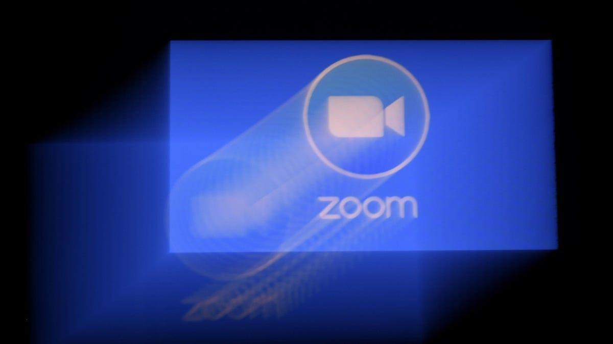 Un hombre mata a su padre en una videollamada de 20 personas en Zoom