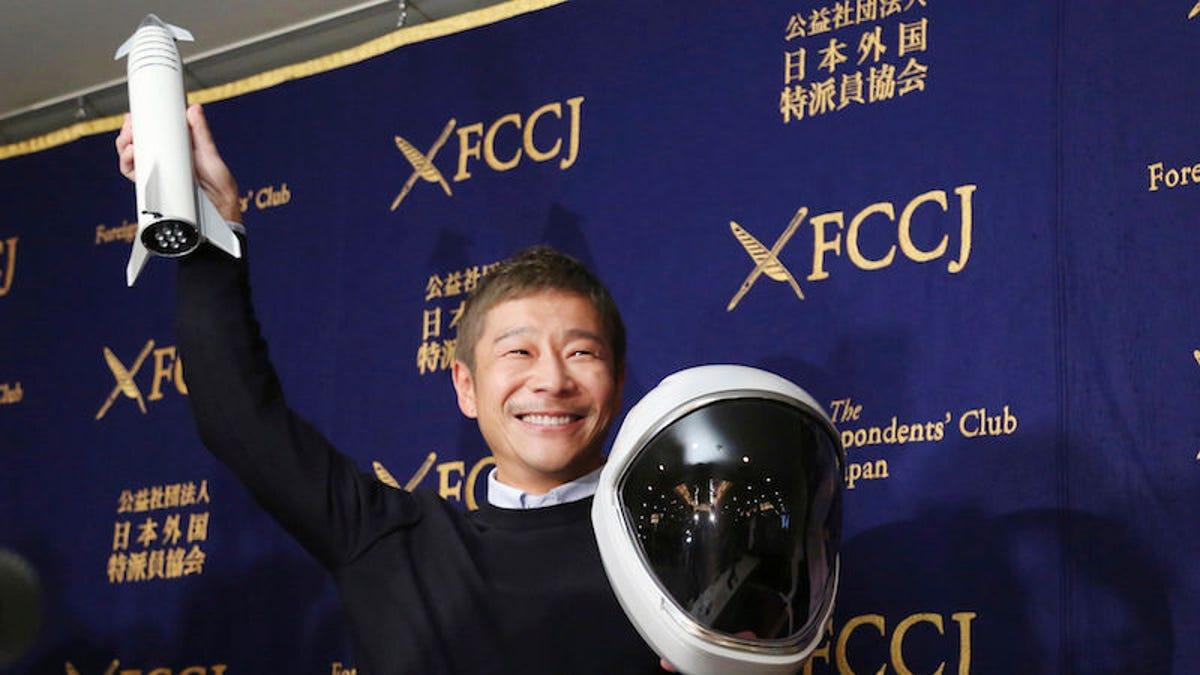 El multimillonario japonés que irá a la Luna con SpaceX busca una novia que quiera ir con él