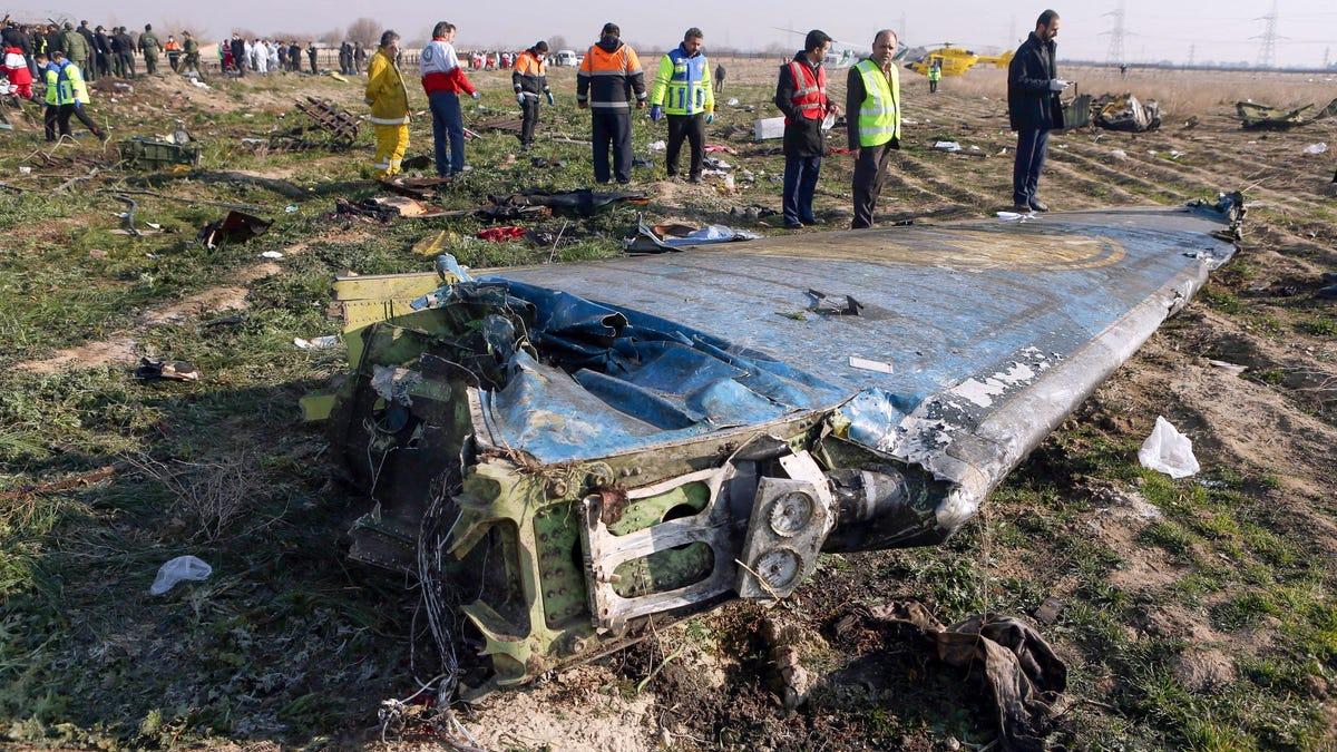 """Irán dice que derribó """"sin querer"""" el avión en el que murieron 179 personas"""