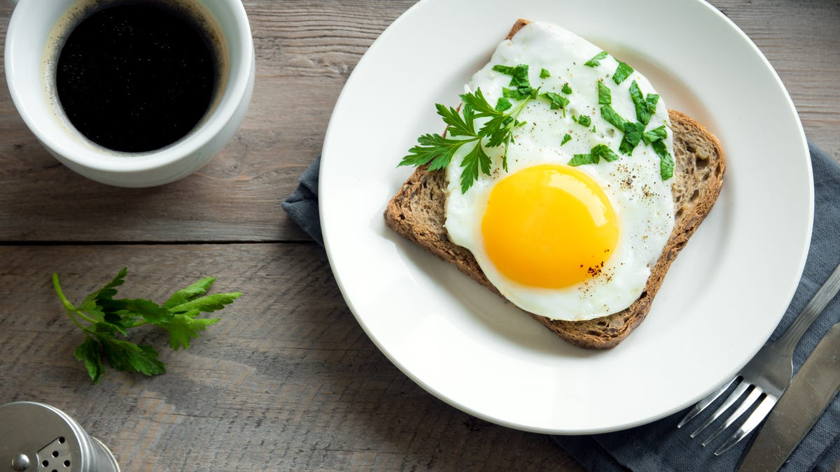Make Sunny Side Up Or Poached Eggs In