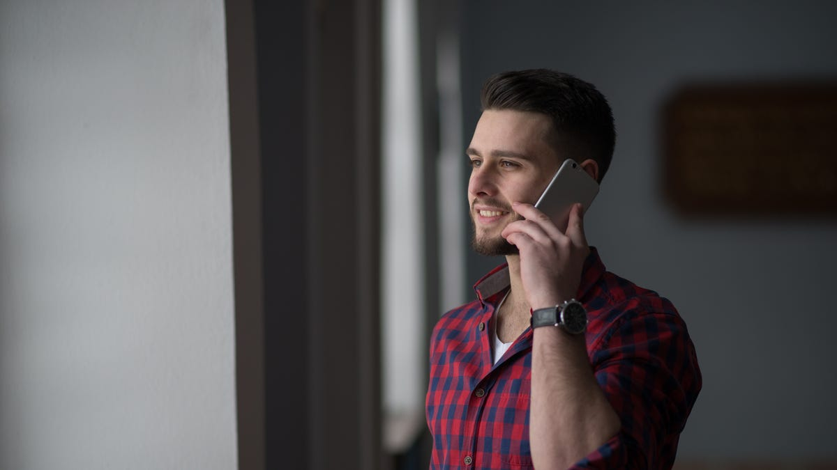 Change Your Voicemail Greeting When You Job Search