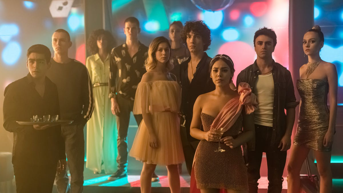 Netflix's horny teen drama Élite is haunted by the future in season 3