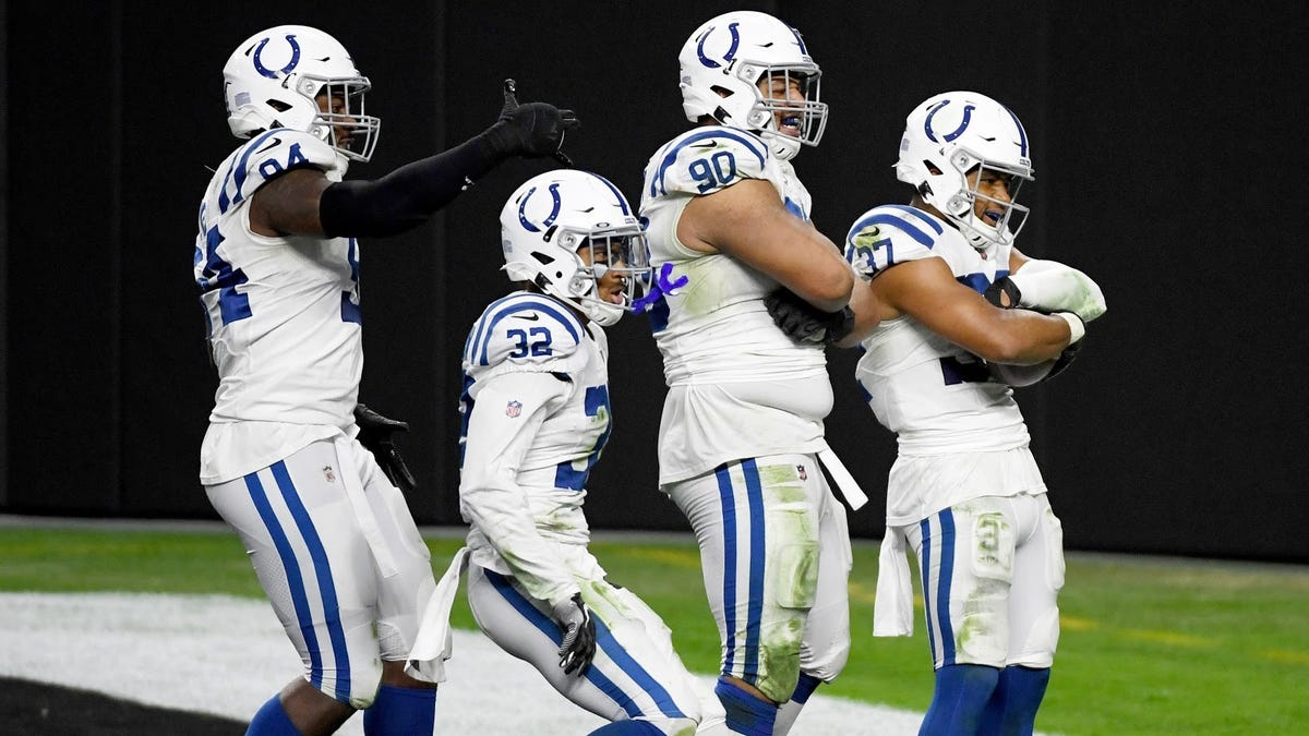 Colts run through Raiders like beef stroganoff, Chiefs keep sleepwalking to victory, and Steelers look like they are going to New Era Pinstripe Bowl