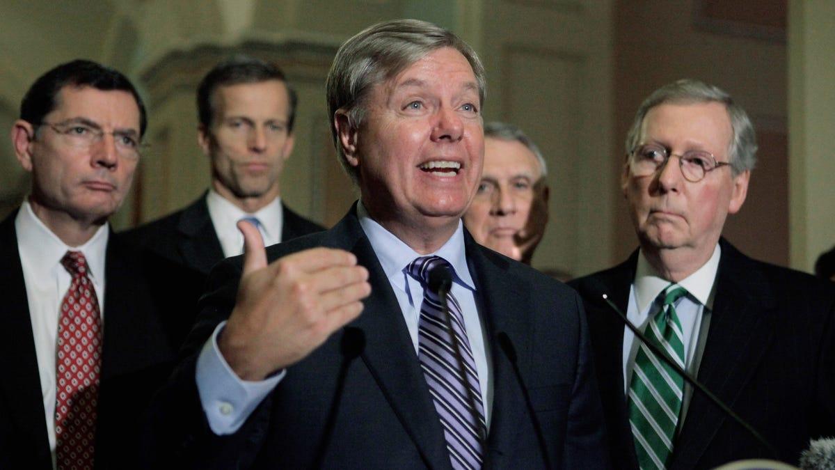 Republikanische Senatoren Halten Sie Wiegen Alle Beweise Vor der Durchführung Trump Aus Auf den Schultern