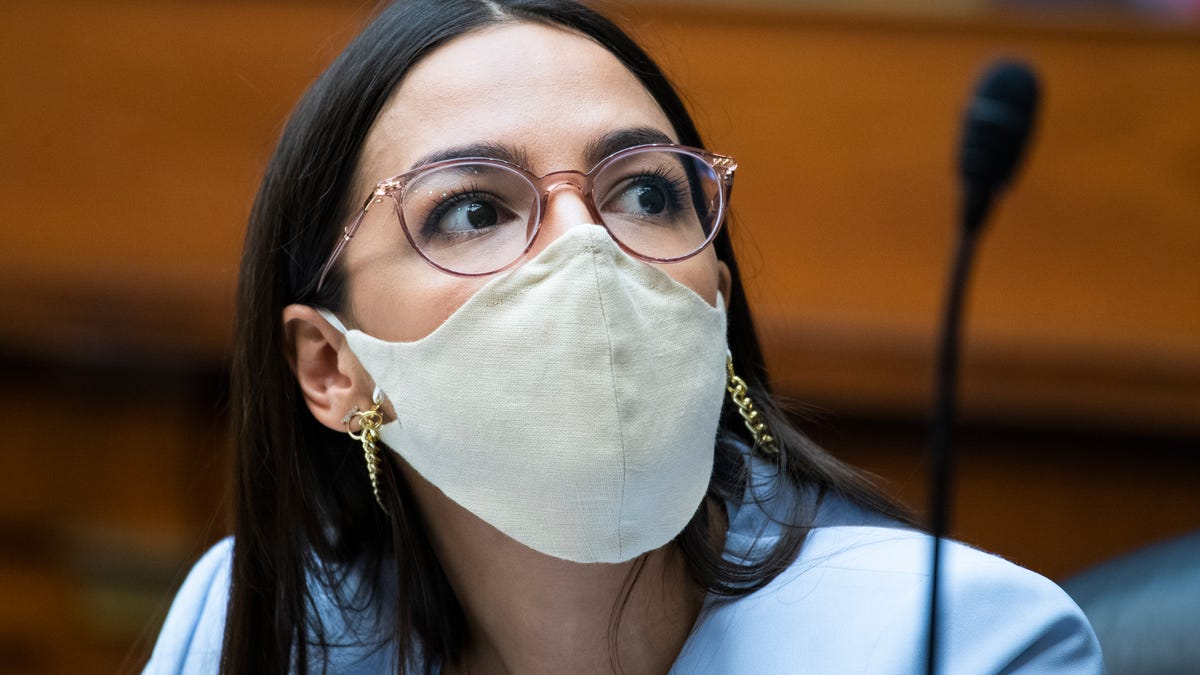 'This Was the Moment I Thought Everything Was Over': AOC Shares Harrowing Account of Capitol Riots