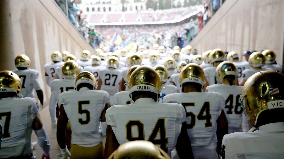 Even after postponement last week, Notre Dame football announces more COVID infections - deadspin