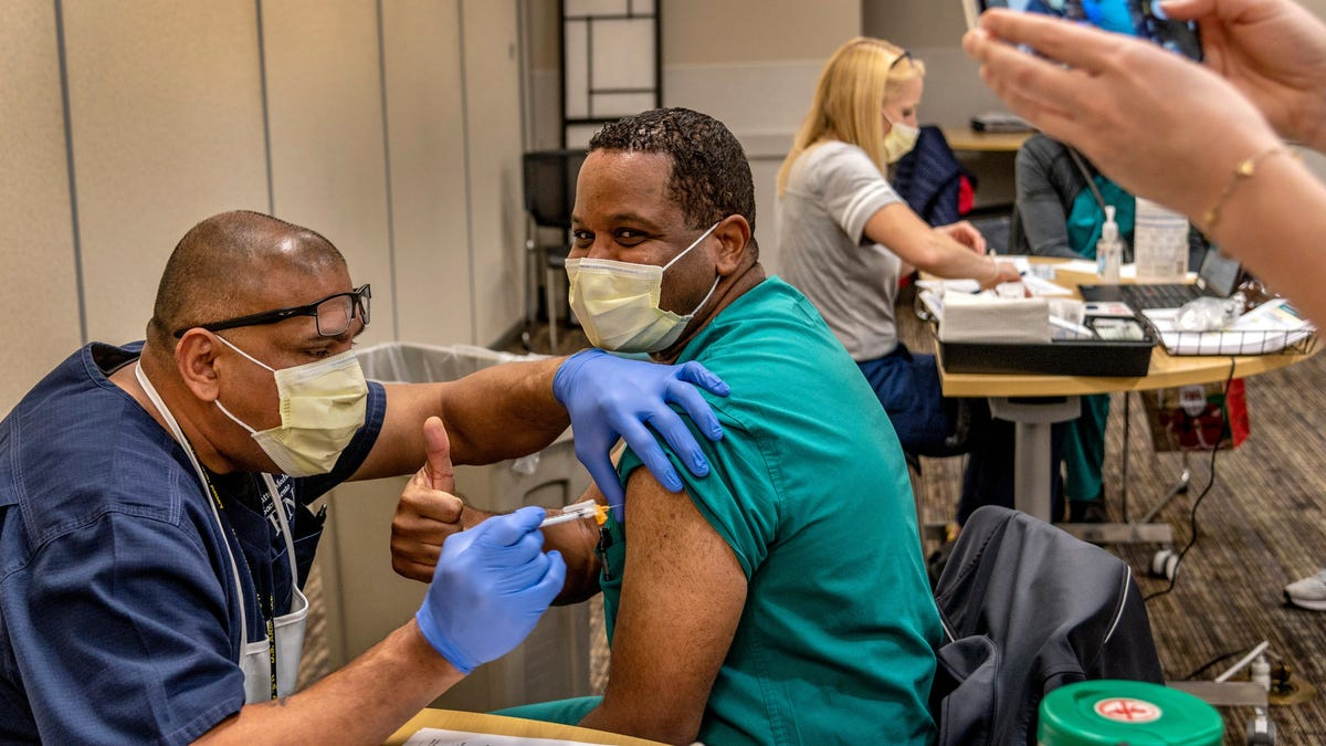 CDC Reports 550,000 Americans Have Received First Dose of Covid-19 Vaccine