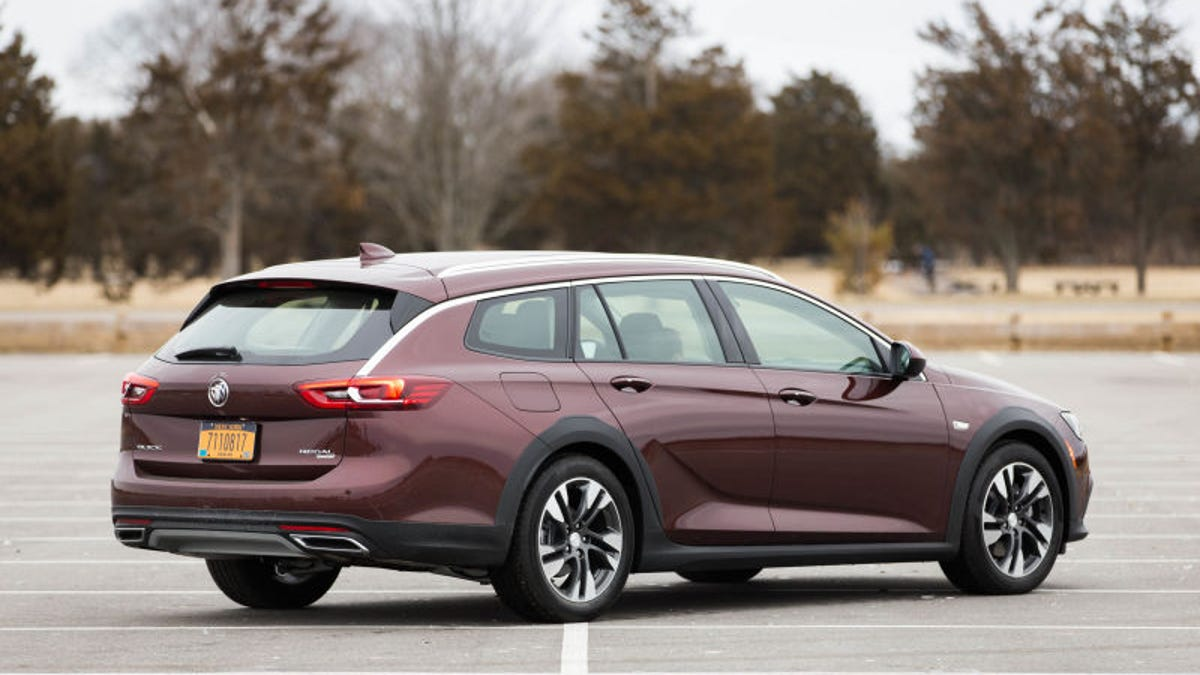 Buick Has No Idea How To Actually Sell The Regal Tourx Wagon