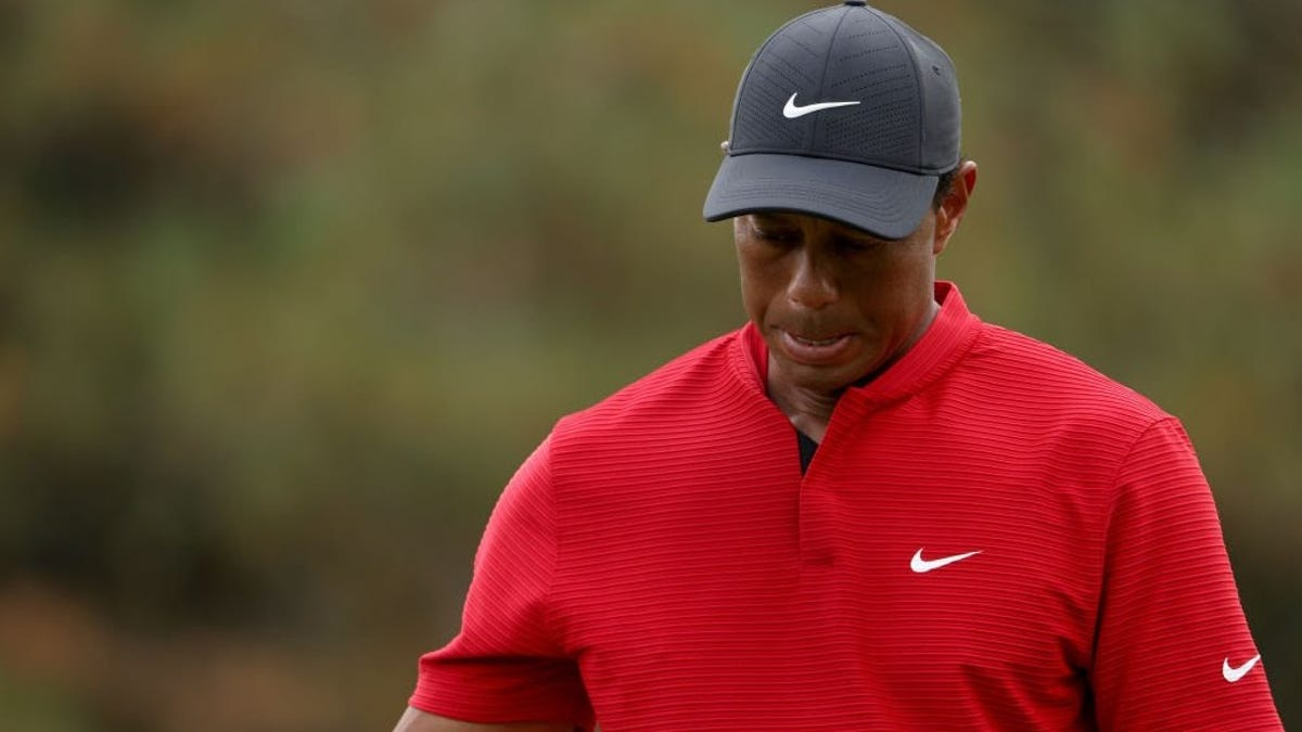 Tiger shanks his way to disastrous, 10-stroke No. 12: a shot-by-shot analysis