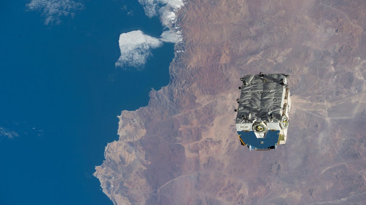ISS Ditches 2.9-Ton Pallet of Batteries, Creating Its Most Massive Piece of Space Trash