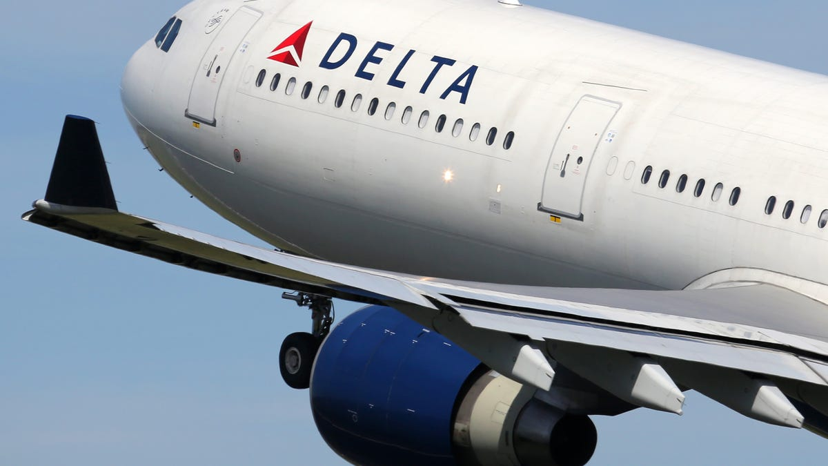 Delta Stands in Solidarity With Black Passenger After She Was Harassed on Flight by a Blue Lives Karen