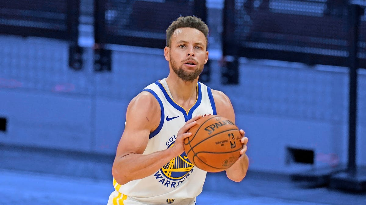 Steph Curry's ridiculous threes have permanently ruined the NBA